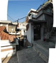 동네 중심에 놓인 U자형 계단길 2