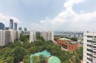 여의도시범아파트 단지 내 녹지와 공원의 모습