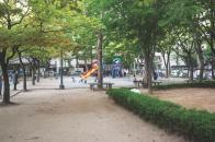 시범아파트 평화공원 내에 있는 어린이 놀이터