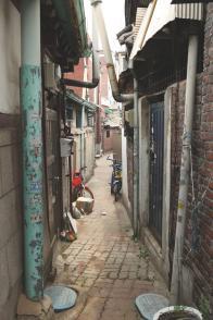 홍파1길 2-5에서 뒤쪽을 바라본 모습