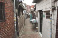 홍파1길 3-5에서 뒤쪽을 바라본 모습