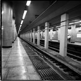 개통 직전의 지하철 1호선 지하역사
